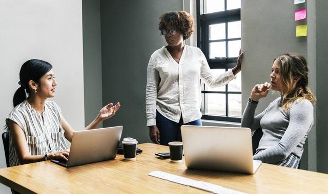 Szkolenia z prawa pracy – zalety