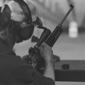 Co sprawia, że krakowskie strzelnice przyciągają obcokrajowców?